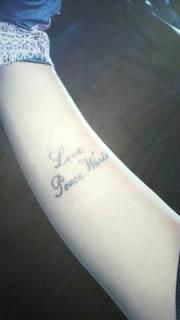 安室奈美恵 右腕内側のタトゥ