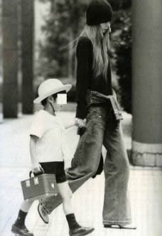 安室奈美恵 息子と一緒に出かける