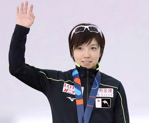 小平奈緒 画像!W杯女子500メートルで優勝