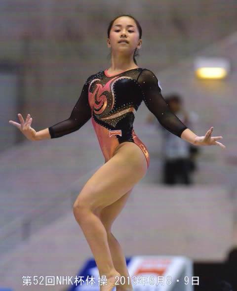 村上茉愛 高校時代の体操の画像